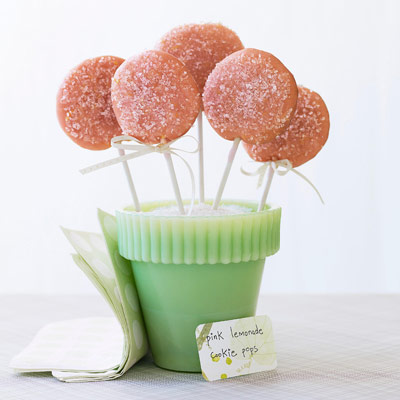 pink-lemonade-cookie-pops-1-0909-xl